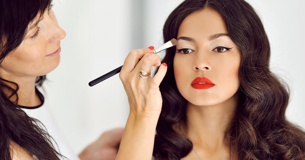 Por que é importante saber como usar cada pincel de maquiagem?